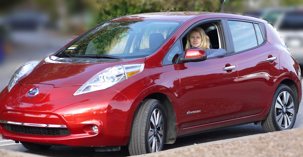 2013_Red_Nissan_Leaf_SL